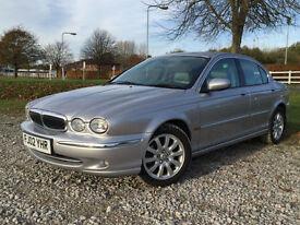 2002 Jaguar X-TYPE 2.5 V6 Automatic Saloon Petrol in Silver
