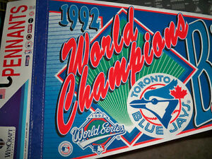 TORONTO BLUE JAYS PENNANT 1992 WORLD CHAMPIONS MINT Stratford Kitchener Area image 1