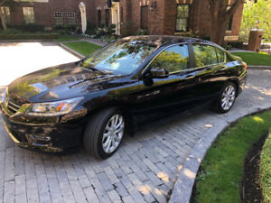 HONDA ACCORD TOURING SEDAN 2013 - only 16,600 km