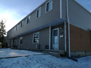 3 bedroom townhouse -10 minutes walking to U of R