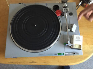 Sony turntable West Island Greater Montréal image 3