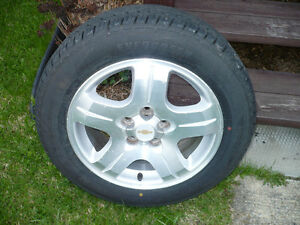 Pneu 205 60 r16 avec rime et mag usee a 11/32 et 2 pneu