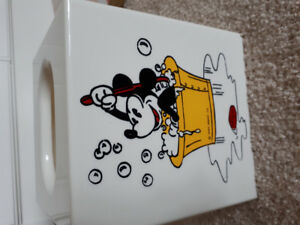 Mickey mouse Kleenex box cover
