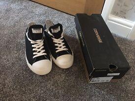 Brand new in box! Converse men's size 8 1/2, women's 10 1/2