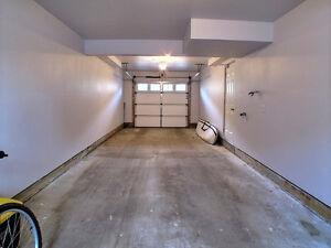 Beautiful 3 Bedroom Home, 2 Car Garage, Highly Upgraded For Sale Edmonton Edmonton Area image 10