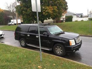 2005 Cadillac Escalade ESV SUV, Crossover