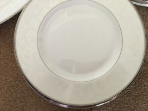 Royal Doulton Anthea dinnerware