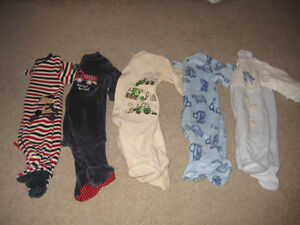 5 pairs of one piece footed fleece pj's - size 0-3 months