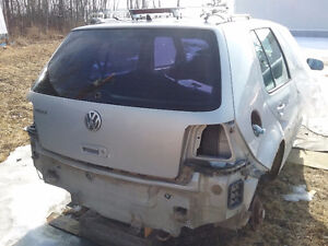 2000 VW Golf TDI (Silver) 4 dr parting out