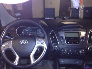 2011 Hyundai Tucson Semi cuire VUS