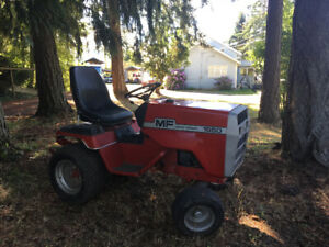 1650 Massey Ferguson Tractor with mower deck