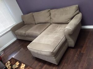 Lovely couch - like new!