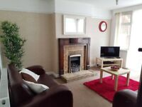 **Beautiful Room in Edgbaston - Great Housemates- Good Access To City Centre ***Click Here***