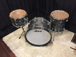 Ludwig Classic Maple 22/13/16 - Black Oyster