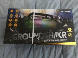 GROUND SHAKER  BLUETOOTH BOOM BOX STREAMER BRAND NEW