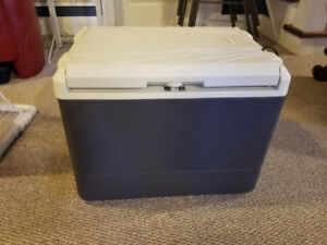 Coleman 40-Quart PowerChill Thermoelectric Cooler with Power Lin