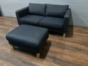 Free delivery Modern Loveseat + Ottoman