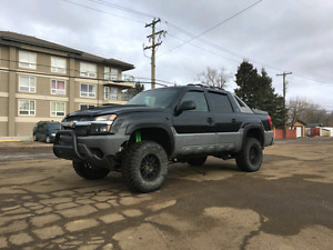 Lifted 4x4 Chevy Avalanche On 35s