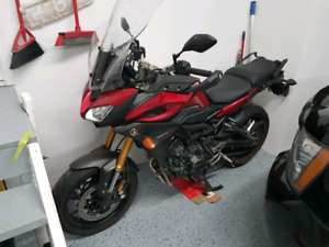 Yamaha fj-09 with new tire and tour windshield