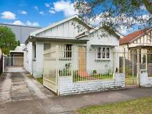 CONVENIENCE GRANNY FLAT FOR RENT IN HOMEBUSH!!~ Sydney Region Preview