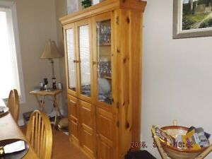 Solid Pine Country Table, Hutch and Chair Set Oakville / Halton Region Toronto (GTA) image 3