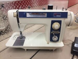 Sewing machine Brother XL711