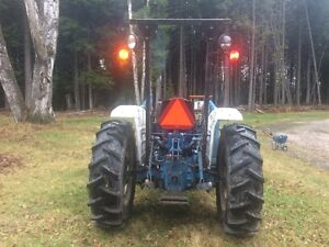 Ford 2110 4x4 tractor with Loader Revelstoke British Columbia image 2