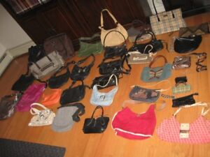 LARGE BUNDLE OF PURSES, HAND BAGS     33 IN TOTAL