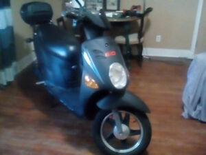Gio 48v 500 w electric scooter