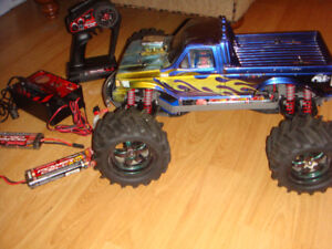 RC TRAXXAS USE BRUSHED 4WD EMAXX TRUCK