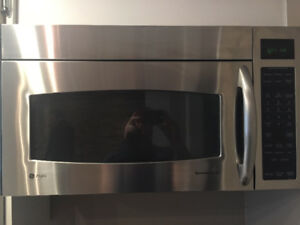 Microwave - GE Spacemaker XL1800