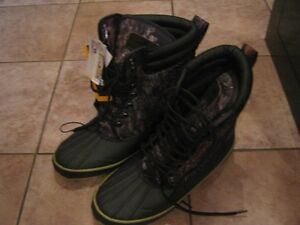 BRAND NEW HUNTING BOOTS  & HATS
