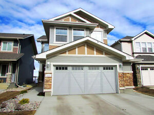 BEAUTIFUL 2-STOREY HOUSE W/ DBL GARAGE IN CHAPPELLE GARDEN