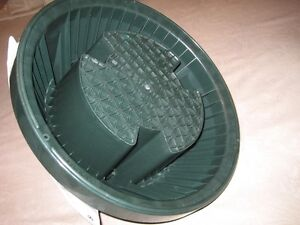 CHRISTMAS TREE STAND ''CINCO EXPRESS''-SPILL GUARD-BRAND NEW! Edmonton Edmonton Area image 5