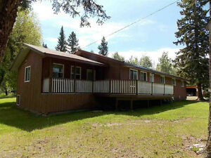 Spacious home + 2 bdrm Cottage on 7 acres near Dugan Lake!