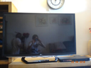 LG 47LM5850 47 1080p LED HDTV with Blu-ray Disc Player