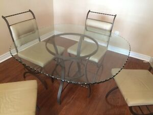 Brand new glass top table w/ leather chairs Cambridge Kitchener Area image 2