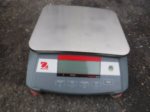 OHAUS Ranger 3000 - 30kg x 1g - tabletop Scale