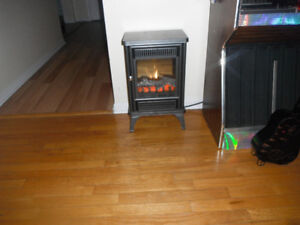 electric stove with 2 heaters.