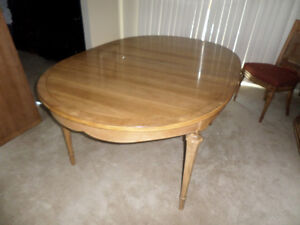Walnut Solid Wood Dining Table MAKE AN OFFER!!!