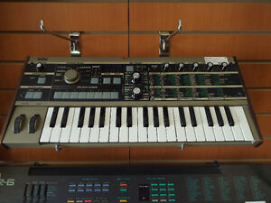 Korg - Microkorg Synthesizer