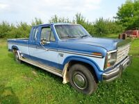 1985 Ford F-250 Camionnette