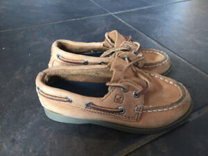 Boys size 8 Sperry boat shoes