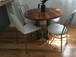 Round Walnut table for sale. 300$