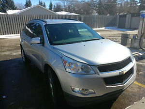 2010 Chevy traverse 8 seater suv low mileage