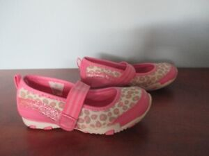 GIRLS SHOES - SIZE 10