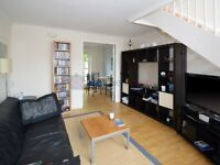 2 bedroom flat in Princes Court, Rotherhithe SE16