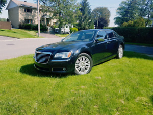 2012 Chrystler 300c limited HEMI! Full load!!!