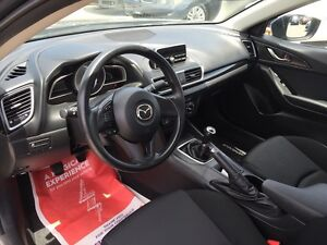 2010 Mazda Mazda3 GX***Low Kms,Manual,FWD*** London Ontario image 13