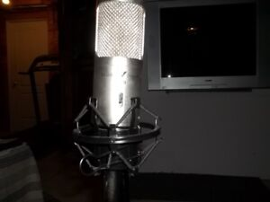 Studio Projects b3 microphone and Behringer 4 Channel Mixer